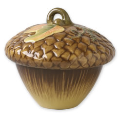 Plymouth large acorn covered bowl