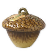 Pfaltzgraff Plymouth Large Acorn Covered Bowl - $831,24 MXN