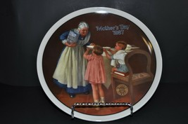 "Edwin M. Knowles - Norman Rockwell ""Mothers Day 1987"" Decorative Collect... - $24.75"