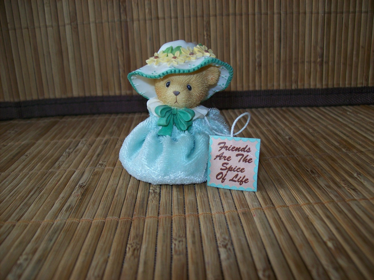 "2001 Cherished Teddies  Lady in Green ""Friends Are The Spice Of Life"""