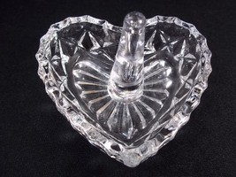 Clear heart shaped ring holder diamond pattern sides smooth rim  - $7.38