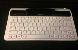 "Samsung ECR-K10AWE Galaxy Tab 7"" White/Black Tablet Keyboard Dock -Tested  - $19.99"