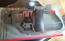 NAPA GM Left door handle 735 7912 image 2