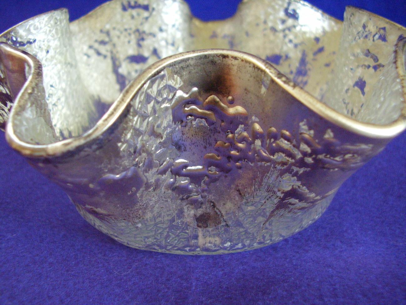 Elegant Cracked Ice Pattern Ruffled Edge Silver Washed Dish