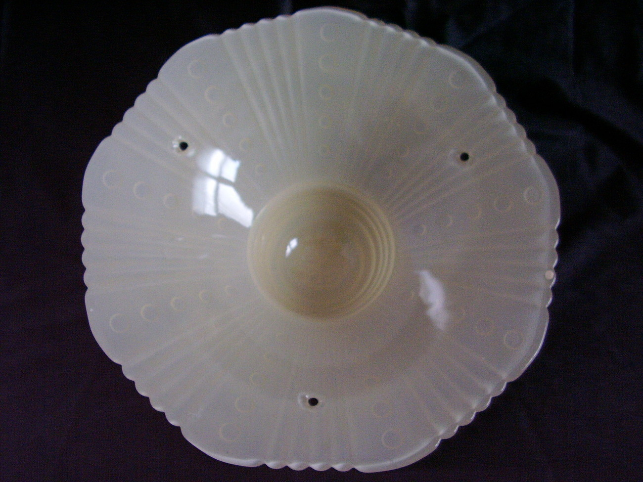 Vintage 3 Hole Glass Ceiling Shade Lamp Ivory A