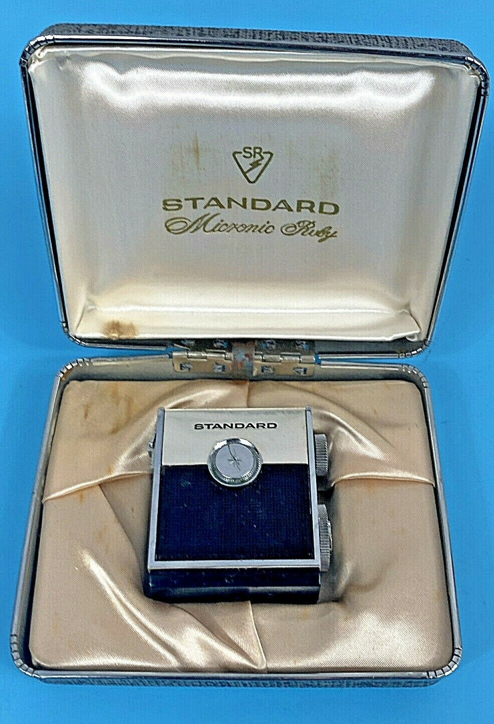 Primary image for Standard SR-H437 Micronic Ruby 8 Transistor AM Radio In Box Vintage RARE Unique