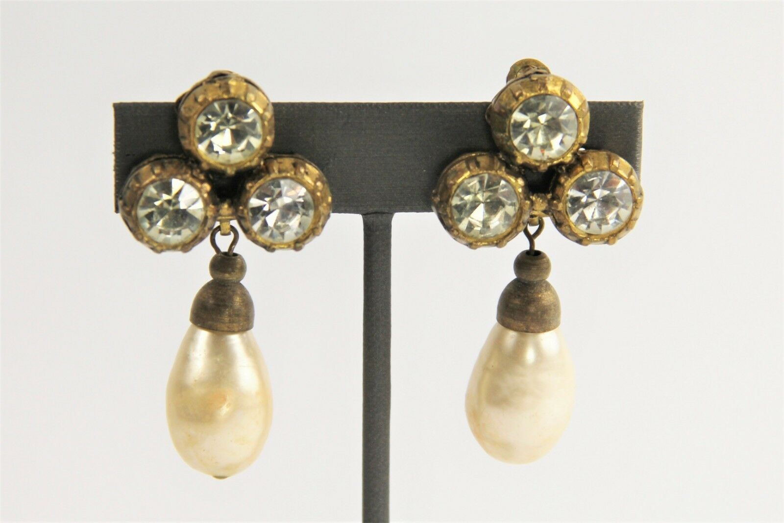 ESTATE VINTAGE SIGNED CHANEL 1984 MABE GLASS PEARL RHINESTONE DANGLE EARRINGS