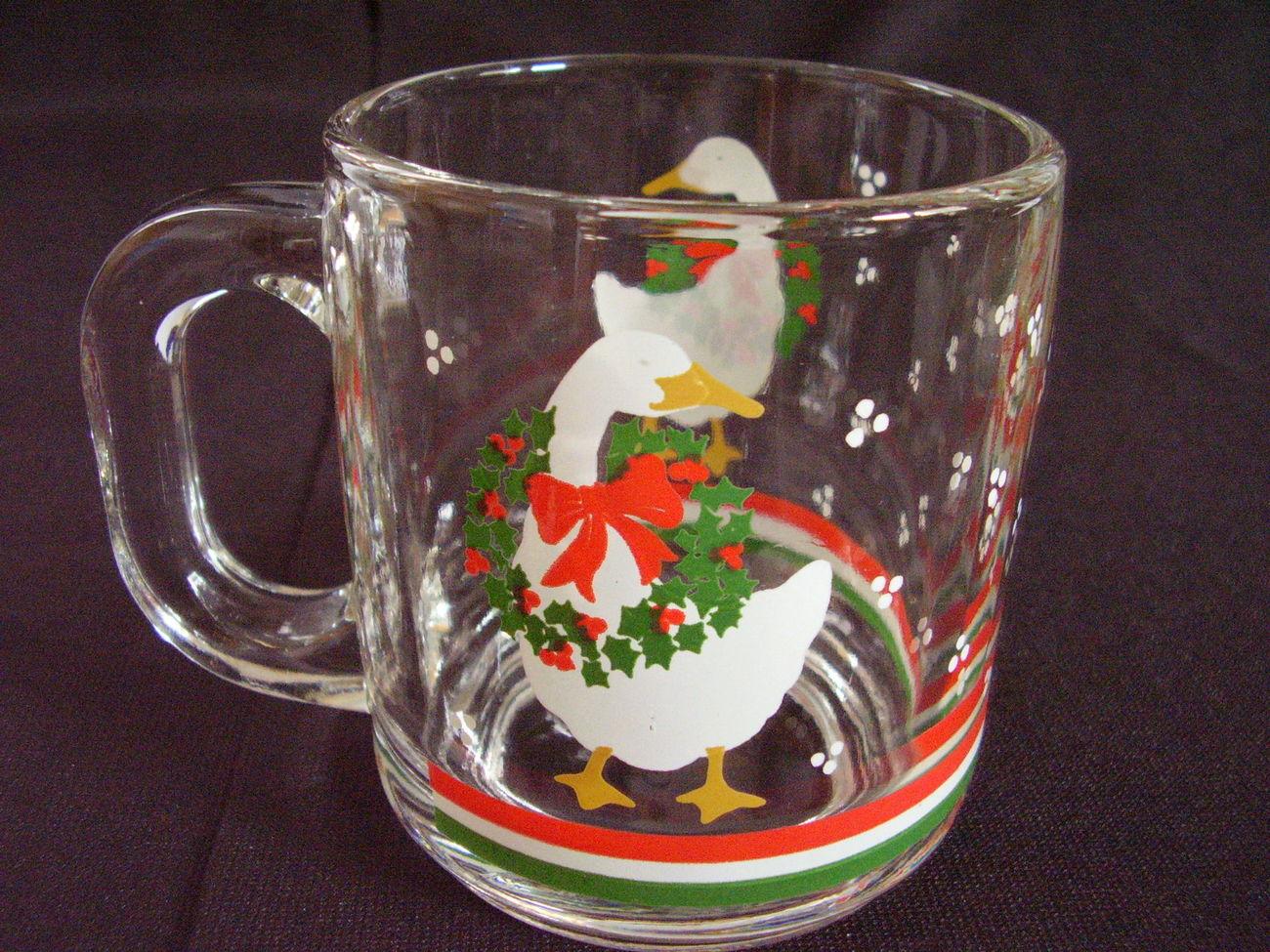Libbey Christmas Goose Duck Glass Mugs Wreath