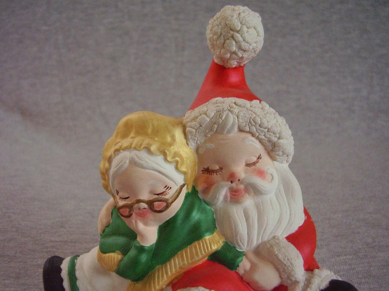 Small Ceramic Sleeping Mr and Mrs Claus Santa Figurine Statu