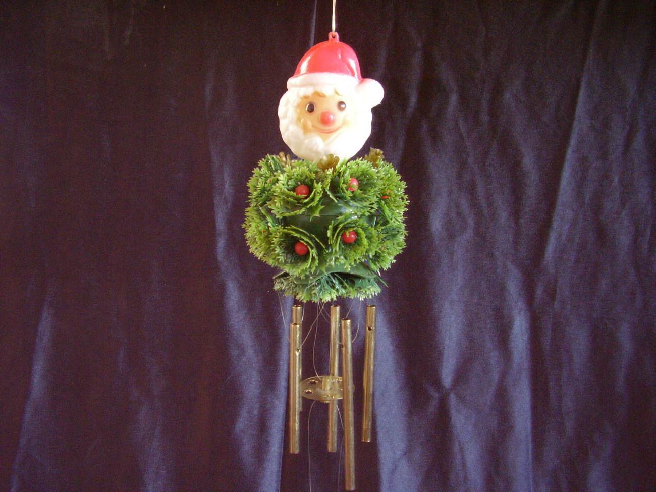 Vintage Best Ever Holiday Wind Chimes Santa Holly