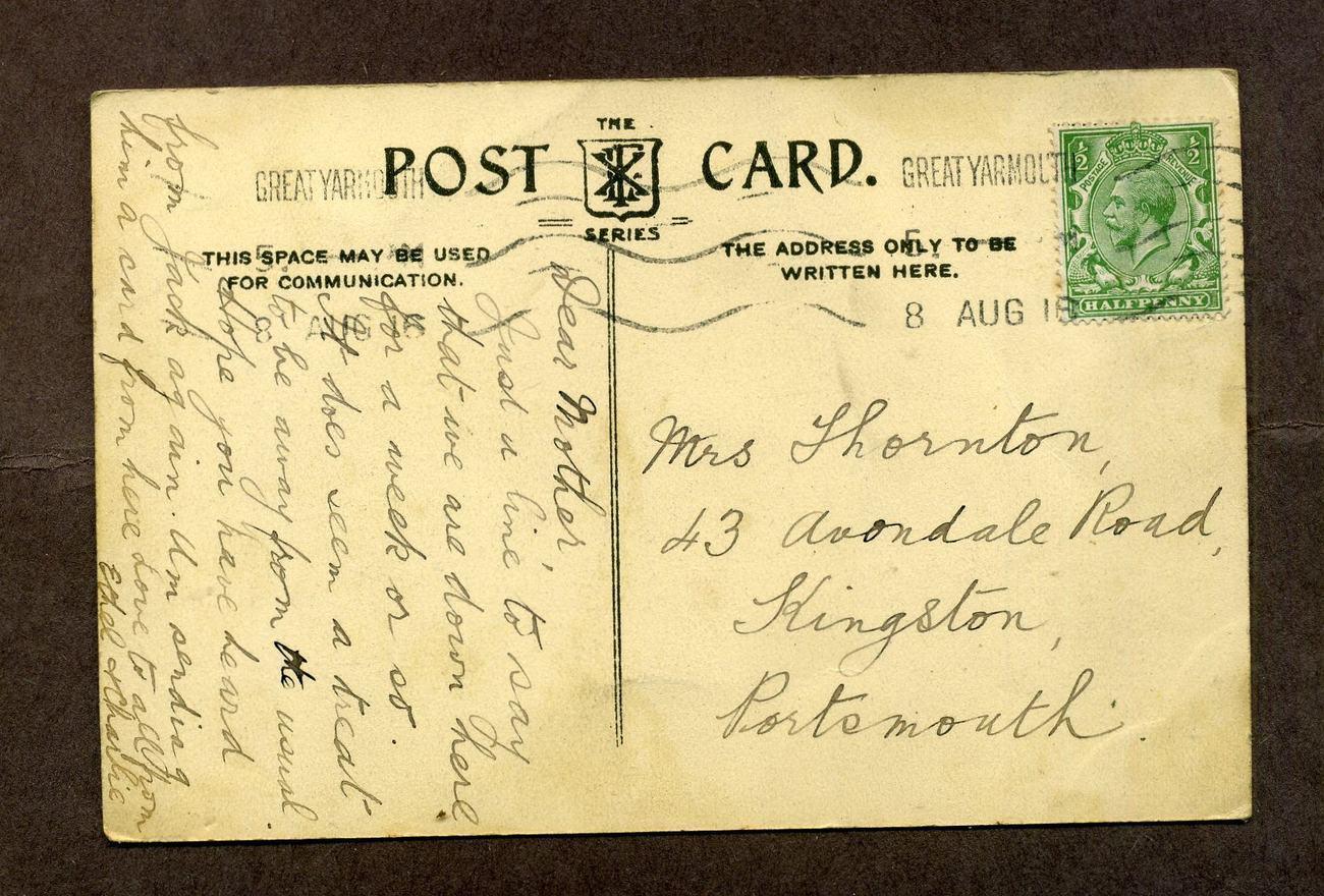 Vintage Linen Postcard 1916 Beach Gorleston on Sea UK