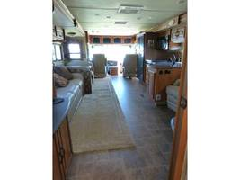 2011 COACHMEN CROSS COUNTRY 405FK For Sale In Ashland, OR 97520 image 2