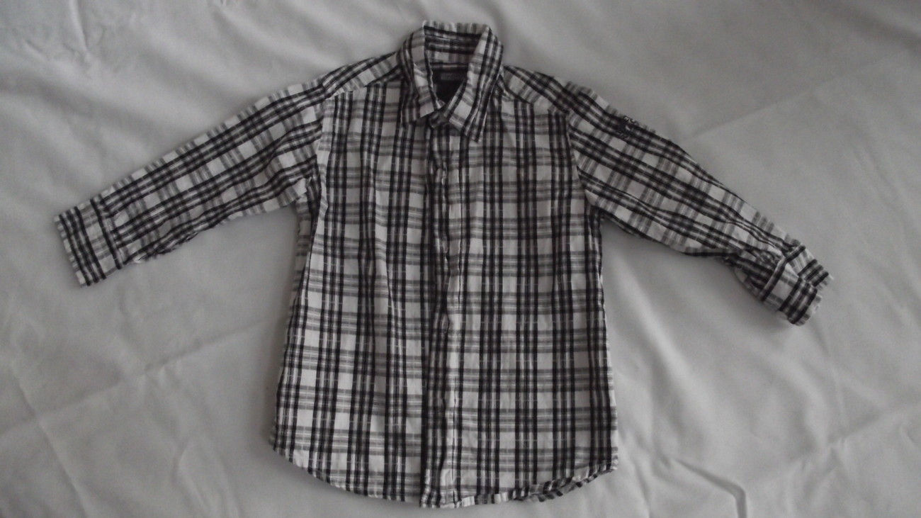 Kenneth Cole Reaction ksize 2 Toddler sweater with collared shirt