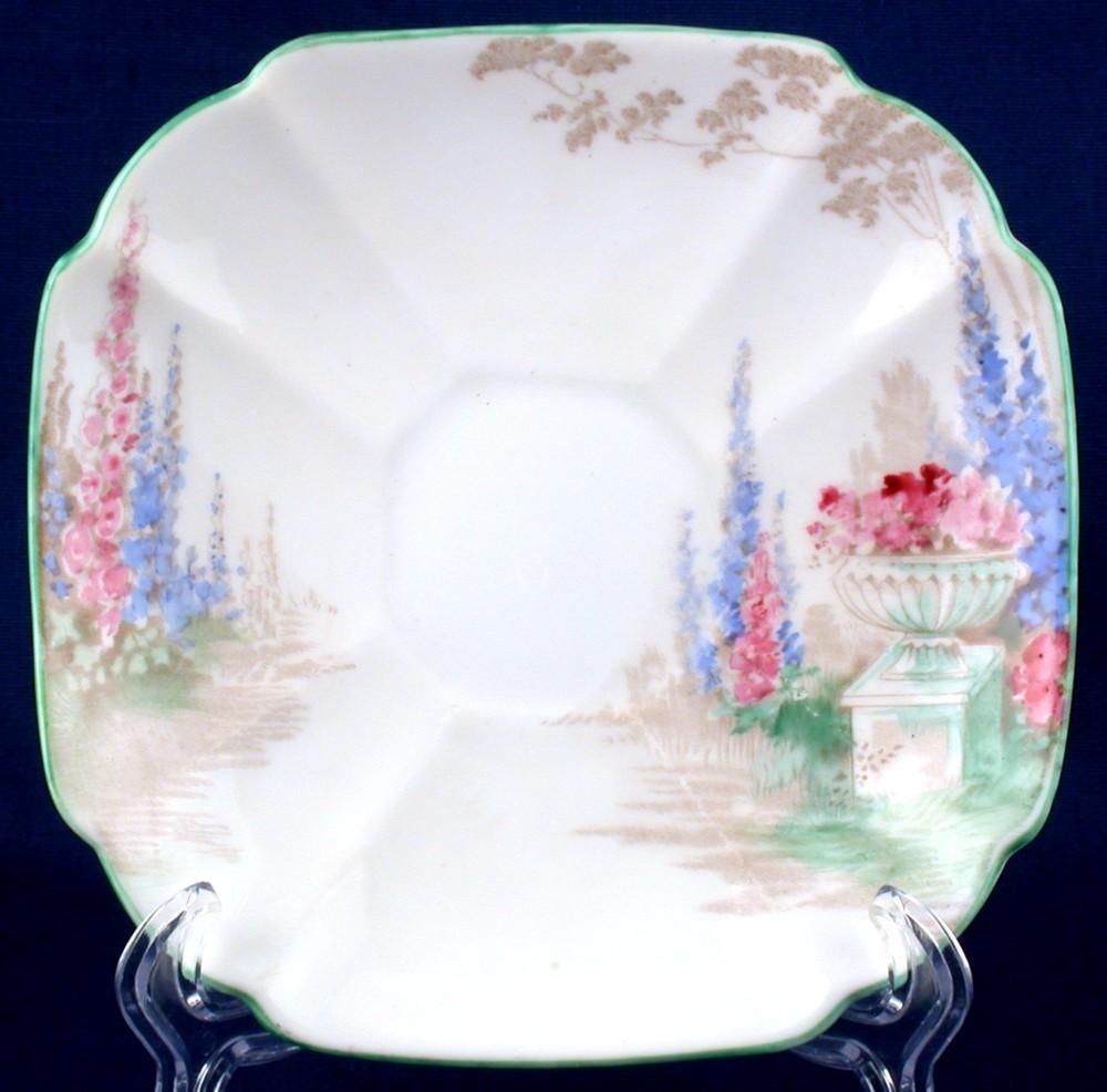 Shelley queen anne floral saucer