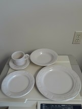 Longaberger Pottery Ivory 5 Piece Place Setting Vitrified  USA Made Used... - $69.25