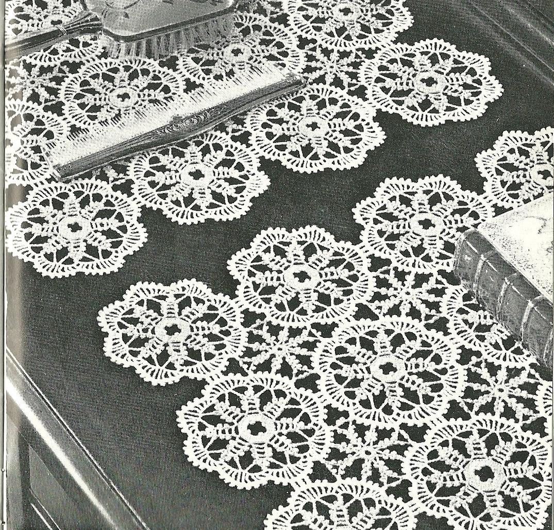 Popular Crochet Lily Design Book No. 203