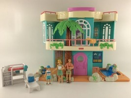 2000 Mattel Fisher Price Sweet Streets Beach Vacation House Loving Family - $29.99