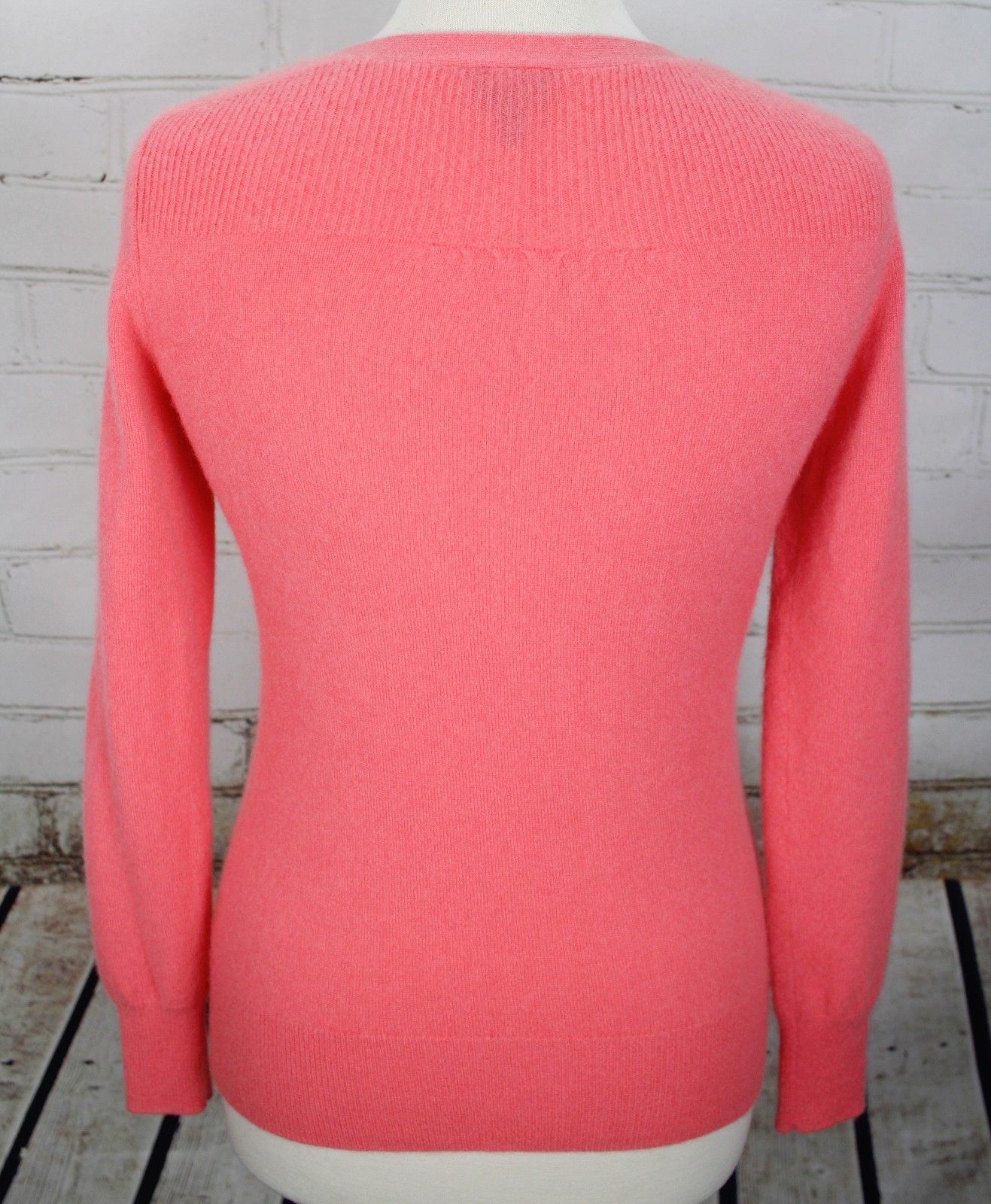 Talbots 100% Cashmere V-Neck Sweater Size XS Pink Pullover Lightweight image 4