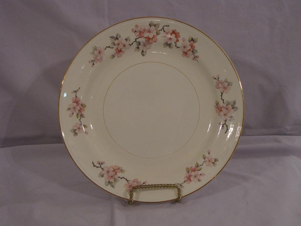Homer Laughlin Eggshell Nautilus Apple Blossom Dinner Plate