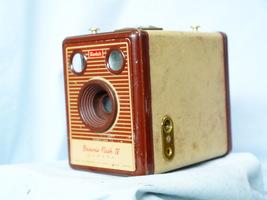 Kodak Brownie Flash Iv -BROWN BROWNIE- Vintage Box Camera - Nice - - $25.00