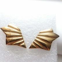 Monet 90s earrings Gold X45 - $28.71