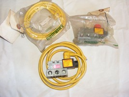 Lot of 2 Numatics 230-214 Pneumatic Air Solenoid Valve 237-267B Manifold - $99.00