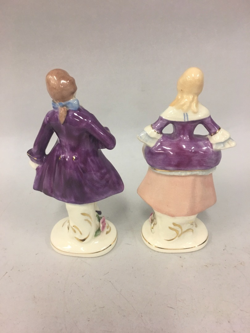 Set of 2 VTG Coventry USA Porcelain Colonial 5064A Man 5065A Woman Figurine