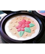 MAC IN FOR A TREAT Face Powder Pearlmatte Highlighter Champagne Blush NE... - $35.55