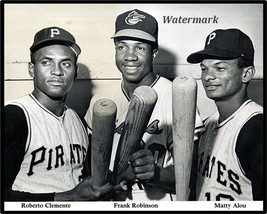 MLB 1967 Roberto Clemente Frank Robinson Matty Alou 8 X 10 Photo Picture - $5.99