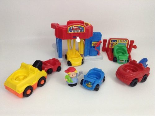 Little People Main Street Car Wash Garage Mechanic 8pc