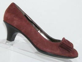Sofft burgundy suede ruffled round toe slip on pump thick casual heels 7N 6485 - $33.30