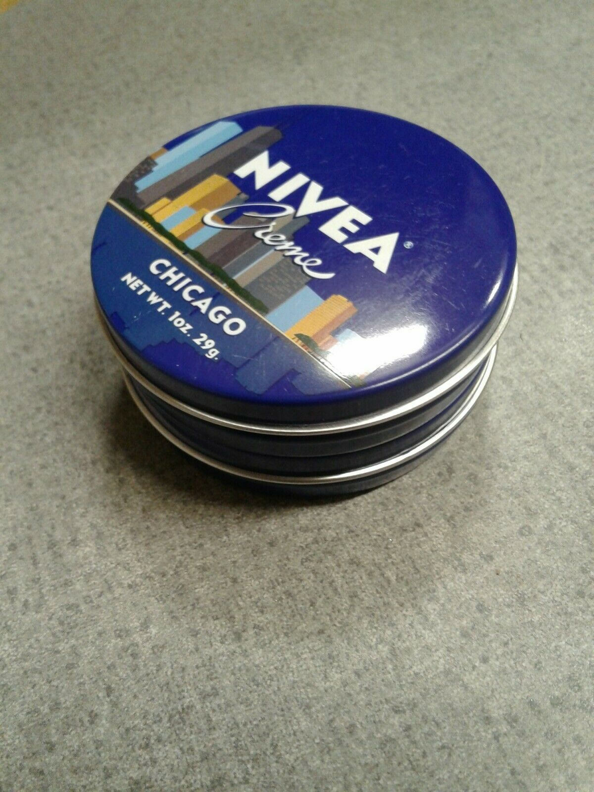 NIVEA Creme Travel Size Tin 1oz Limited Edition CHICAGO (2 Pack) Brand New
