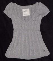 Abercrombie Gray Layering Short Sleeve V-Neck Sweater Size Medium M - $13.99