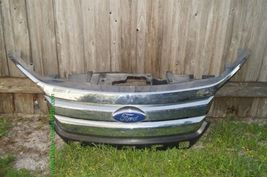 10-12 Ford Fusion Large Grille Gril Grill ***LOCAL PICK UP ONLY*** image 4