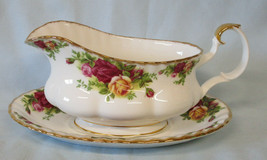 Royal Albert Old Country Roses Gravy & Underplate England - $65.23