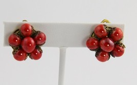 VINTAGE ART DECO ERA Jewelry ITALY RED GLASS SWIRL BEAD CLUSTER CLIP EAR... - $10.00