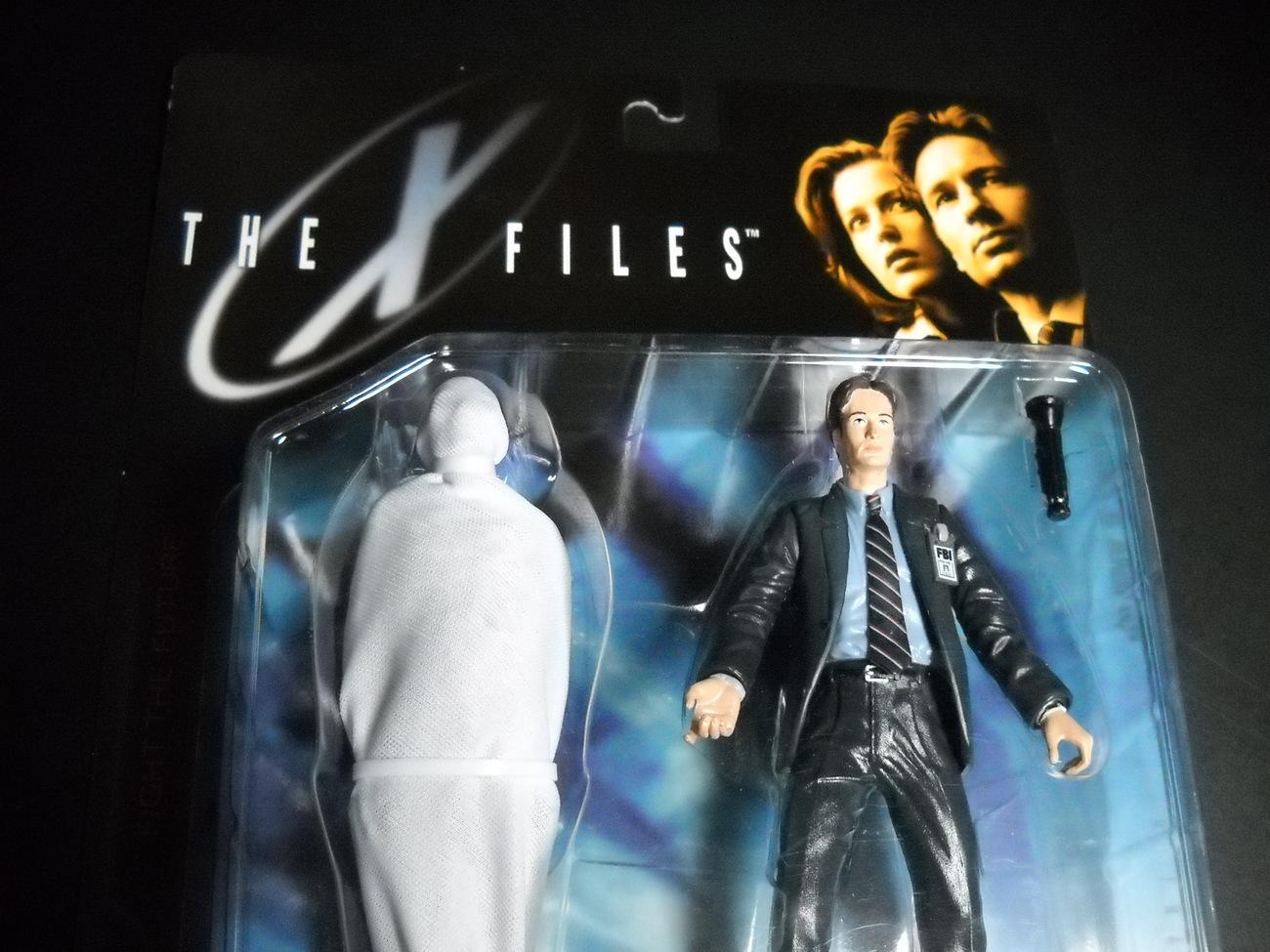 X Files McFarlane 6 Inch Fox Mulder Schroud 1998 Series 1 Still Sealed on Card