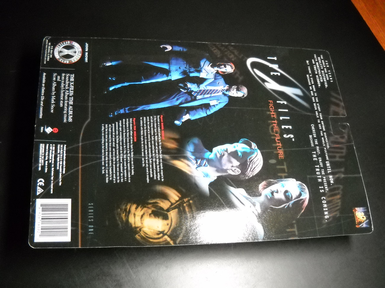 X Files McFarlane 5 1/2 Inch Dana Scully Shroud 98 Series 1 Still Sealed on Card