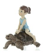 Hagen Renaker Specialty Turtle Girl Riding Tortoise Ceramic Figurine - $524,40 MXN