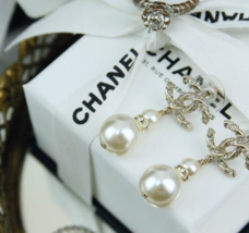 100% AUTH NEW CHANEL 2018 Gold CC Crystal Double PEARL Dangle Drop Earrings image 5