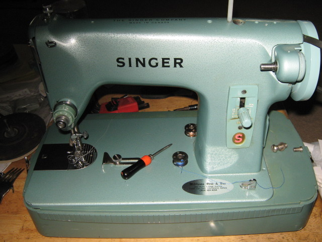 Singer 285J Machine Face Plate with Thumb Screw