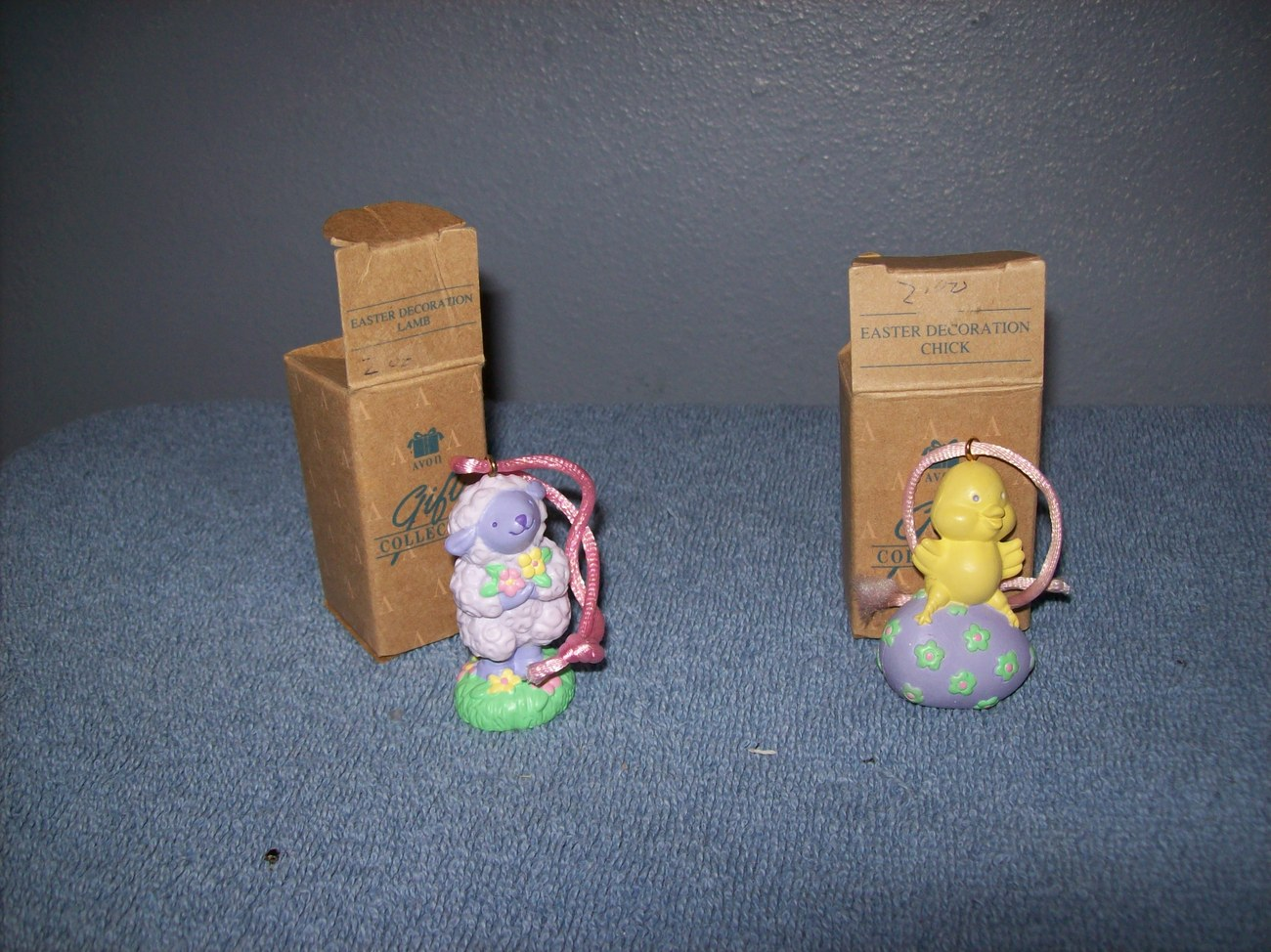 set of 2 Avon Easter ornaments