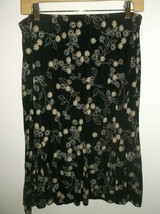 Dressbarn PXL Elastic Waist Skirt Black Background White & Tan Floral Pattern image 1