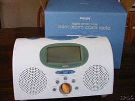 Graves_electronics__radio_dual_wht_thumb200