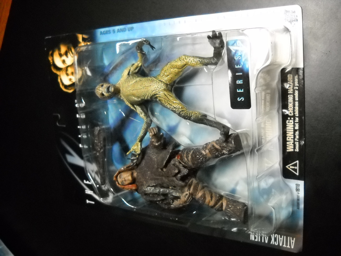 X Files McFarlane 6 Inch Attack Alien Throwback Variant 1998 Series 1 Sealed MOC