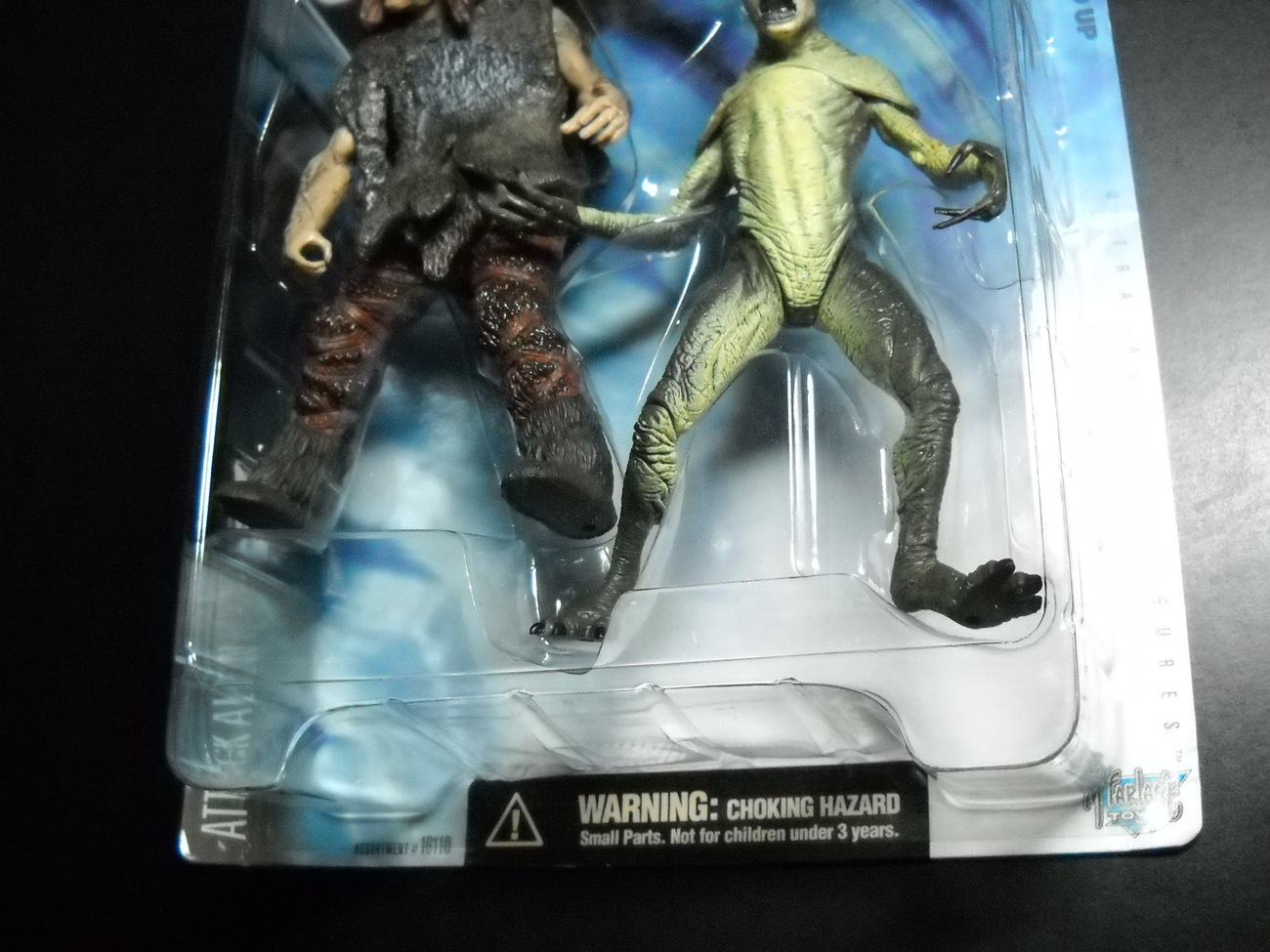 X Files McFarlane 6 Inch Attack Alien & Throwback 1998 Series 1 Sealed on Card