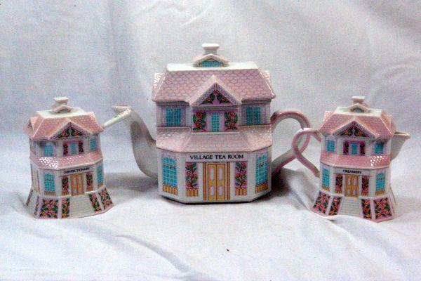Lenox 2004 The Lenox Village Victorian House Shaped Tea Service