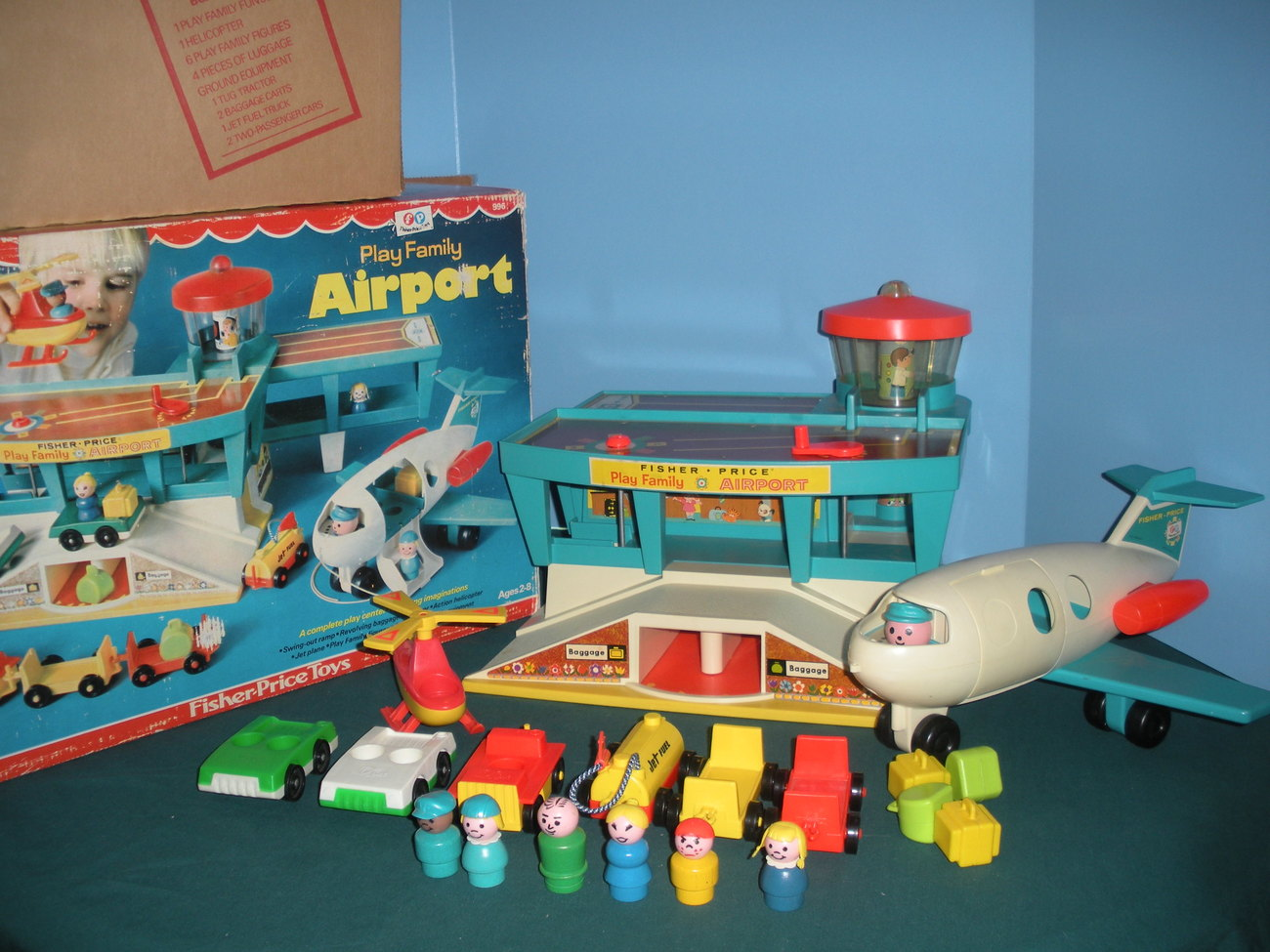 vintage fisher price little people 996 airport complete w. Black Bedroom Furniture Sets. Home Design Ideas