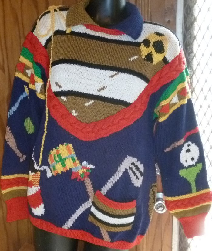 Vintage 1989 BEREK hand knit pullover Sweater sports theme golf tennis + size S