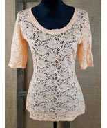 Maurices women's M lace 3/4 sleeve shirt peach floral - $15.79